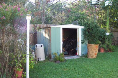 Annieinaustin, old shed 2004