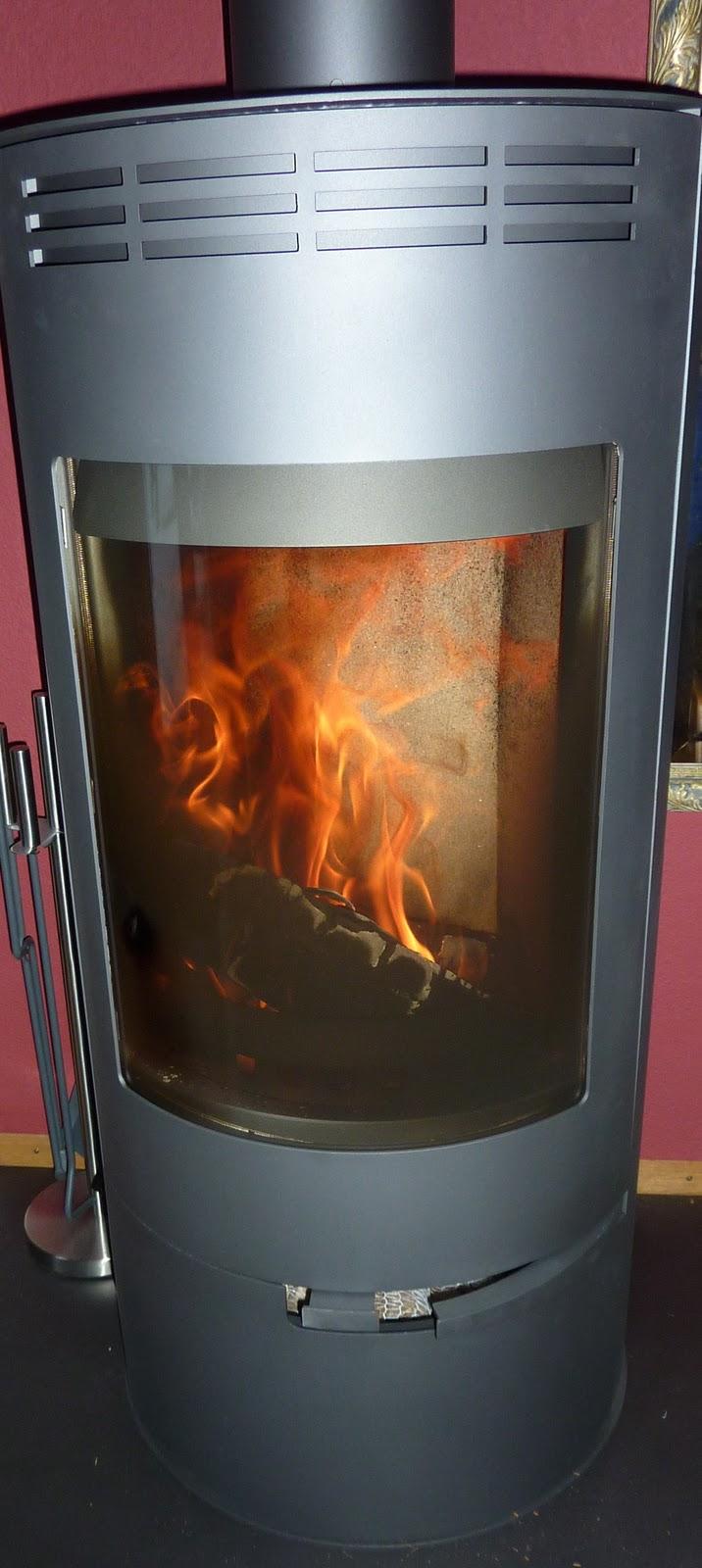 mohnblueme anz ndhilfen f r cheminee ofen grill feuer. Black Bedroom Furniture Sets. Home Design Ideas