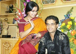 ganguli and his wife Photos of Cricketers Wifes : Cricketers Wives and Girl Friend Pics,Images 