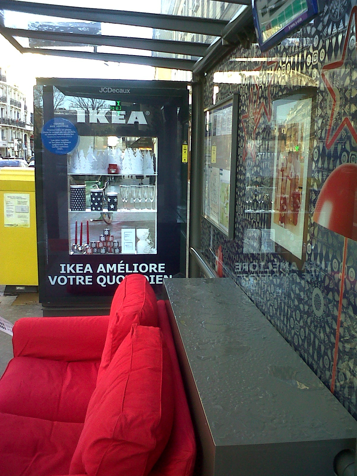 abri bus revisite par ikea. Black Bedroom Furniture Sets. Home Design Ideas
