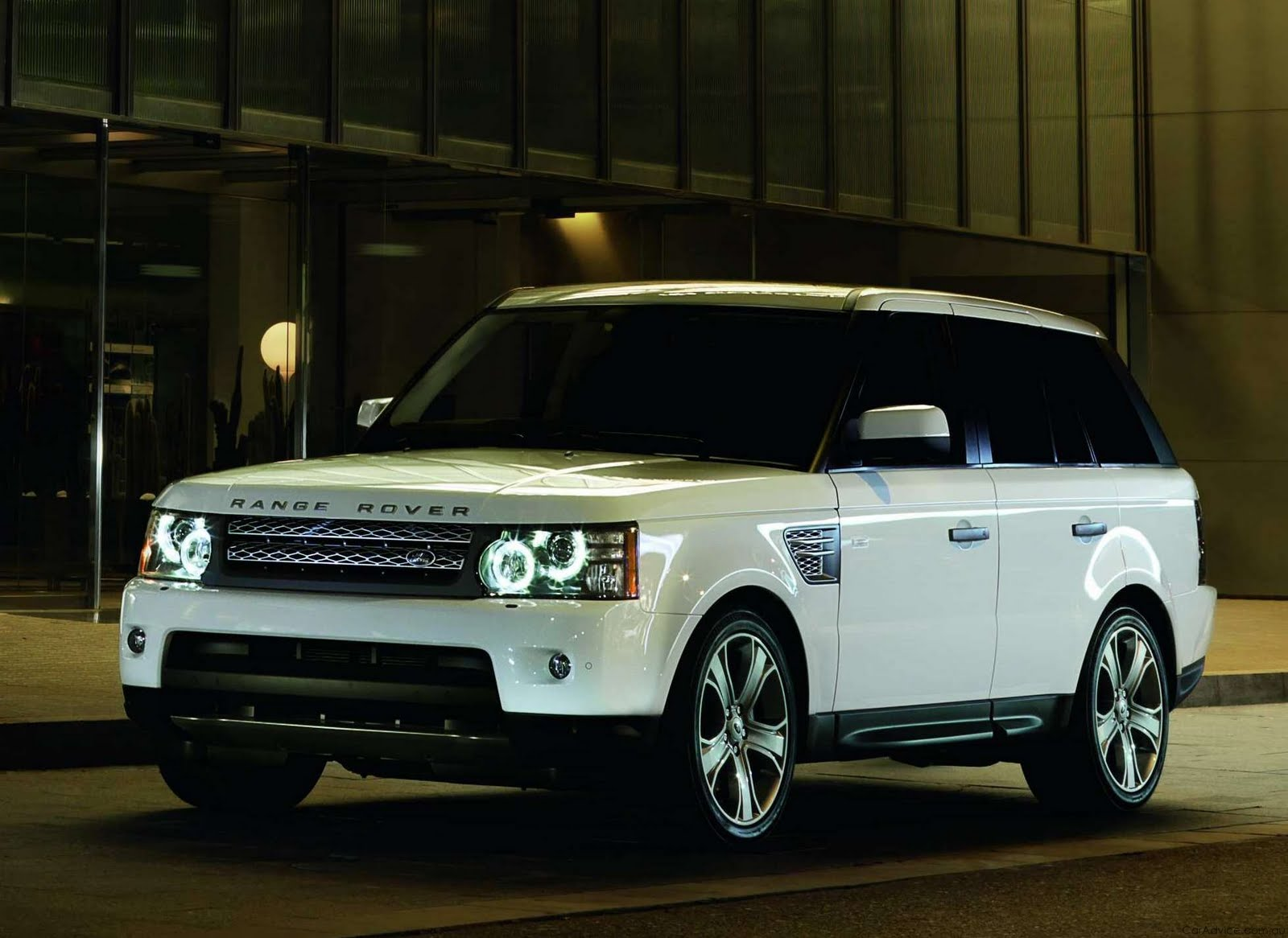 car pictures land rover range rover sport 2010. Black Bedroom Furniture Sets. Home Design Ideas