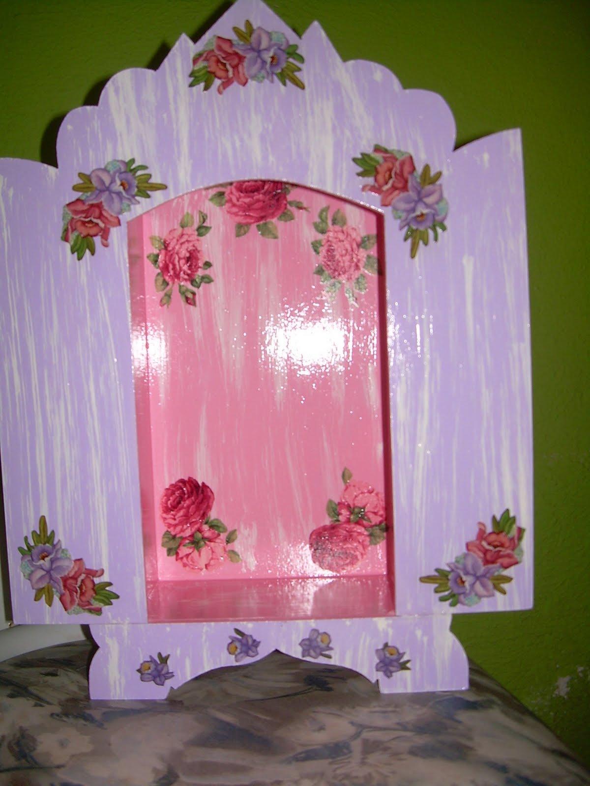 Malu Maier Artesanato: Oratório de madeira com pátina e decoupagem #495710 1200x1600
