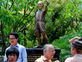 Patung Obama di Jakarta