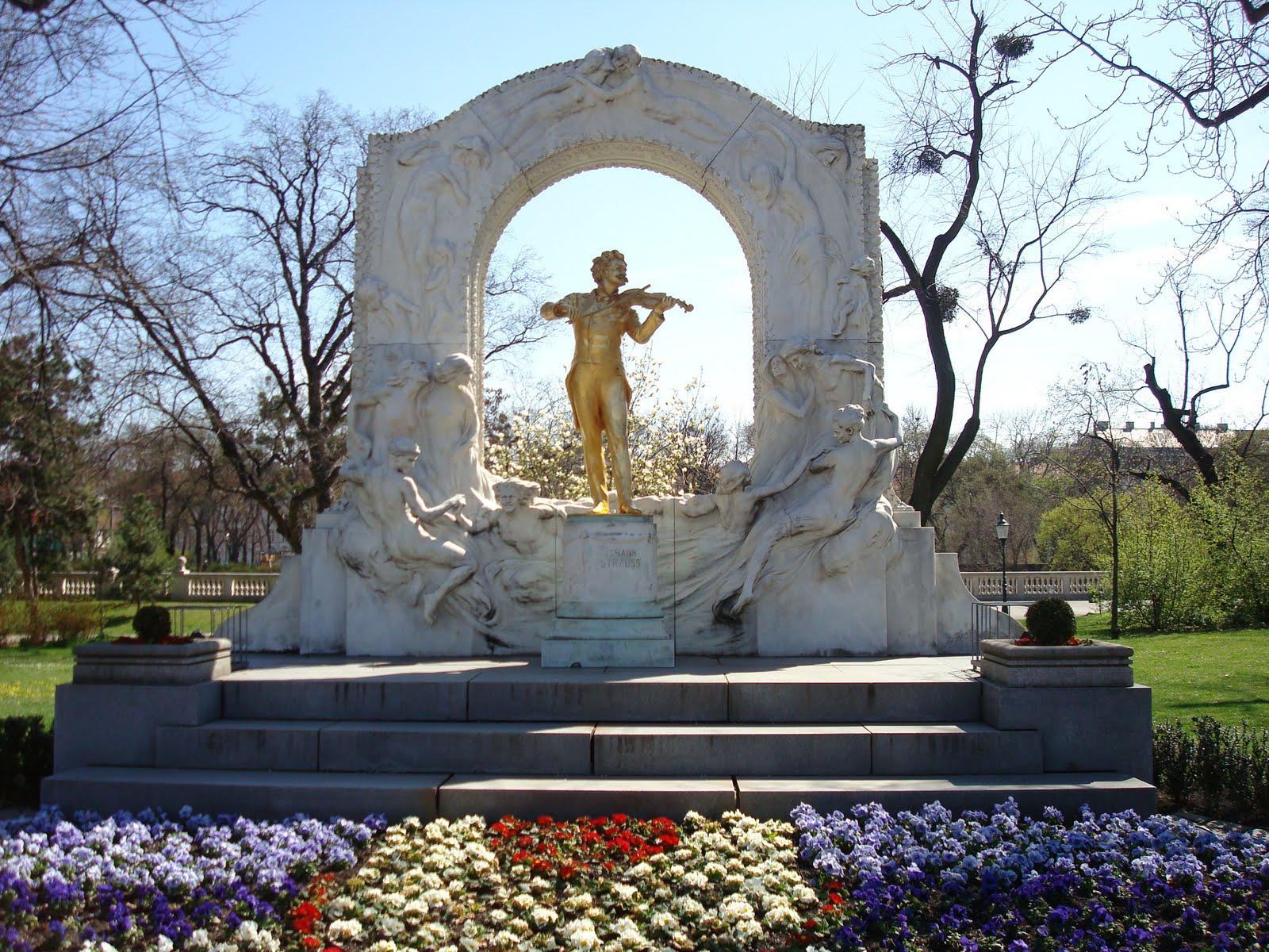 http://2.bp.blogspot.com/_LBqZHUmd5DE/S8DDLpHRwqI/AAAAAAAAAag/BMgDzwFx9qY/s1600/Vienna2010_0403AV.JPG