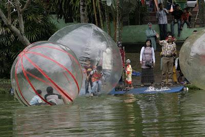 Balon air di alam mayang