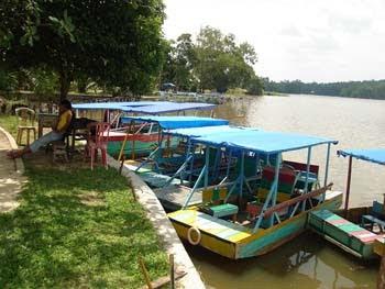 Boat di Danau Buatan Pekanbaru