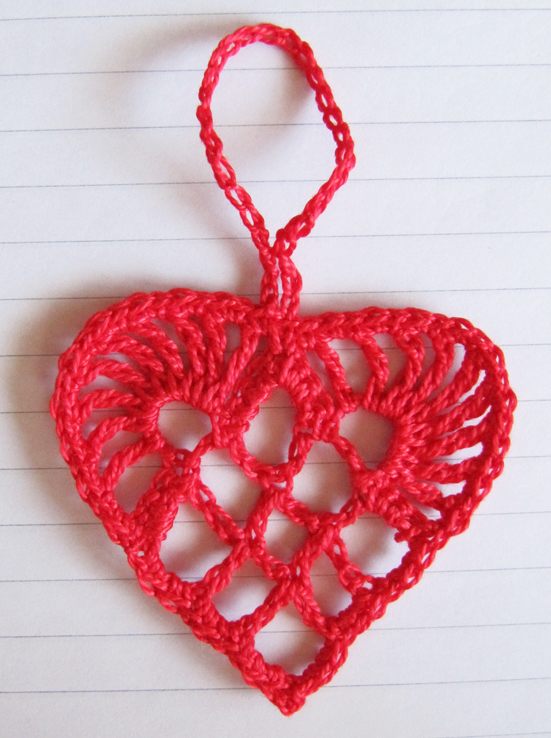 Crochet Ornaments : Teresa Kasner: Scandinavian Crochet Heart Ornament