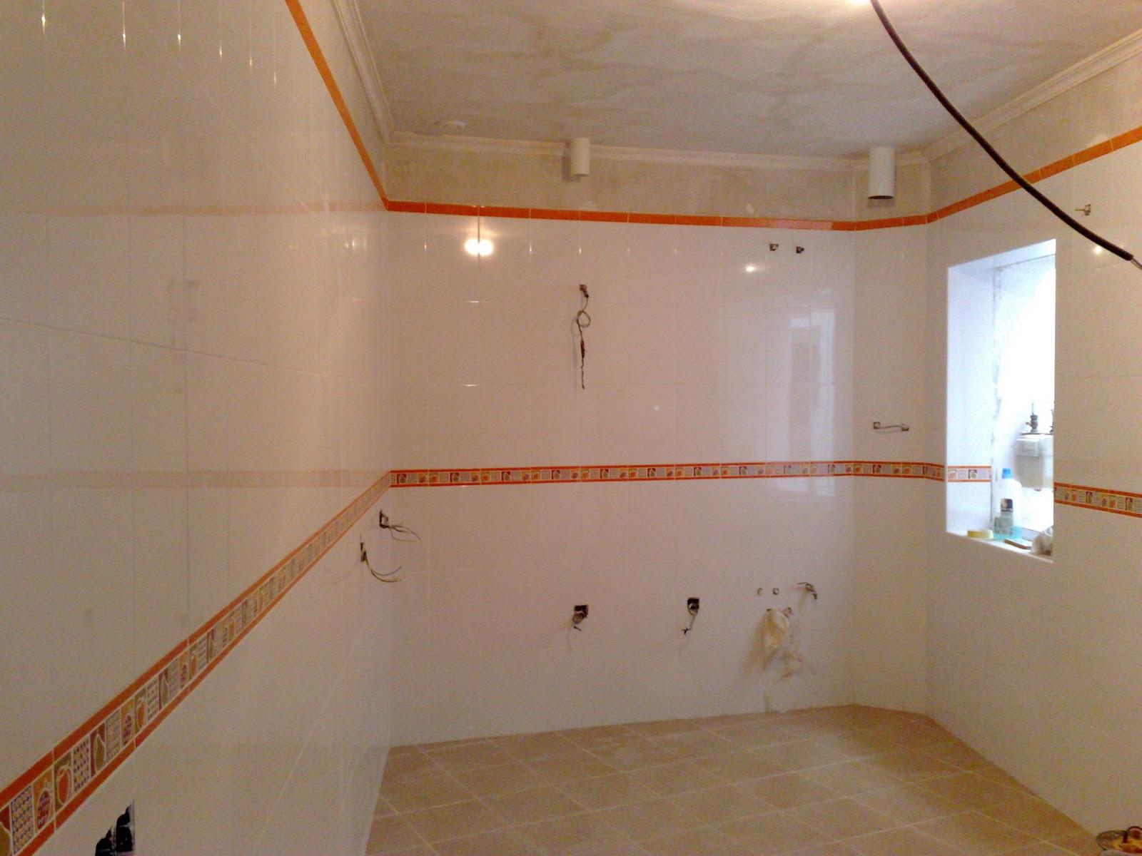 Ba os con azulejos hasta el techo - En vano o en bano ...