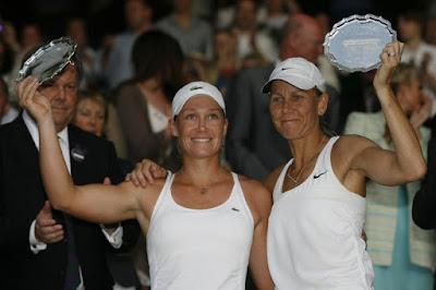 Black Tennis Pro's Venus and Serena Williams 2009 Wimbledon Doubles Champions