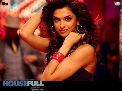 Deepika's Housefull grosses Rs 64 crore in opening