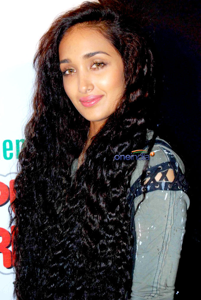 Jiah Khan|Jiah khan Wallpapers|Jiah Khan Pics|News