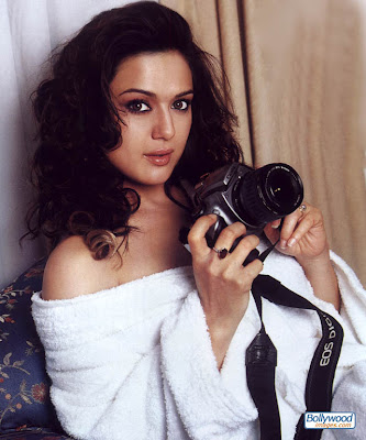   2011   preity_zinta_020_spa