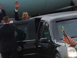 http://2.bp.blogspot.com/_LGxrAV9wm3w/TNlwGfhVgZI/AAAAAAAAAD8/AZic2QHd_DI/s320/99293_presiden-obama-tiba-di-jakarta.jpg