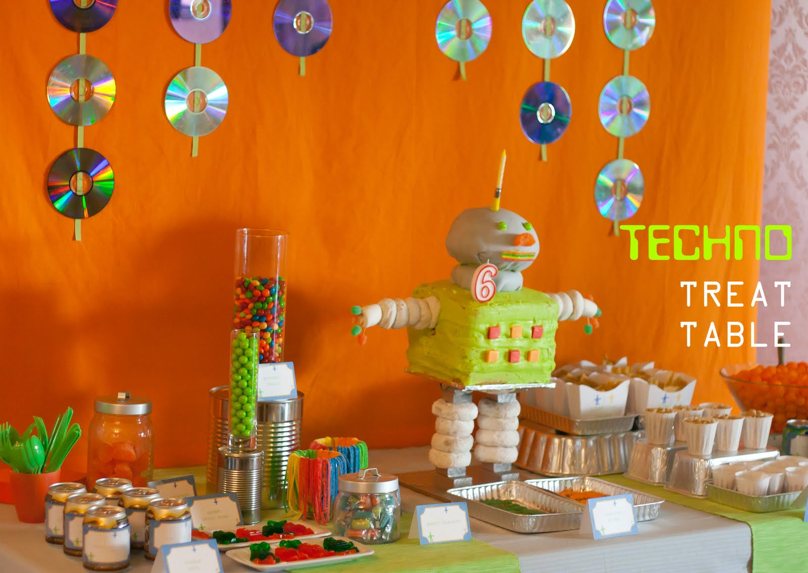 Robot Birthday Decorations: Robot Design Academy