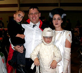 Costume Parade Parade -- Fabulous Family Costumes