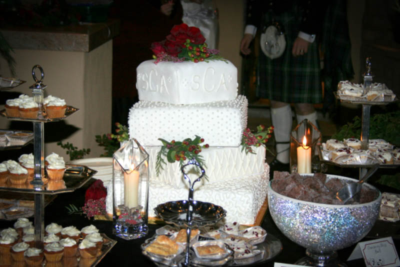 cranberries cocoa kilts winter wedding
