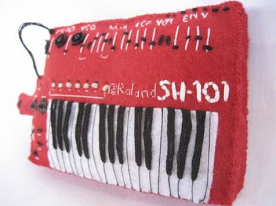 Plush piano Seen On www.coolpicturegallery.net