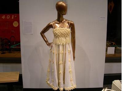 [Image: condom-dress-05.jpg]