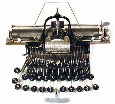vintage typewriters 12 World's Oldest Typewriter Collection