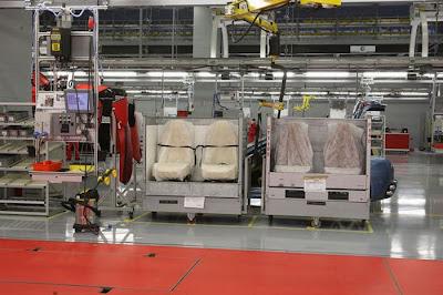 inside ferrari plant 27 Proses Pembuatan Sebuah Mobil Ferrari