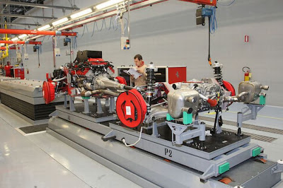 inside ferrari plant 23 Proses Pembuatan Sebuah Mobil Ferrari