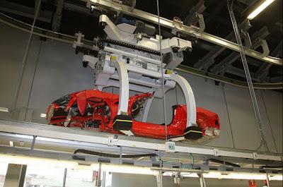 inside ferrari plant 17 Proses Pembuatan Sebuah Mobil Ferrari