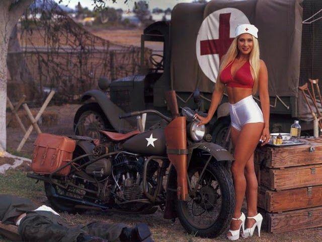 КОНКУРЕНЦИЈА Girls-motorbikes-04