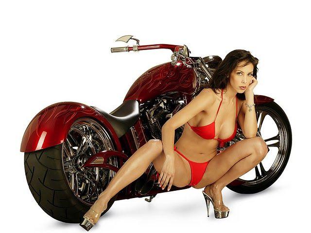 КОНКУРЕНЦИЈА Girls-motorbikes-03