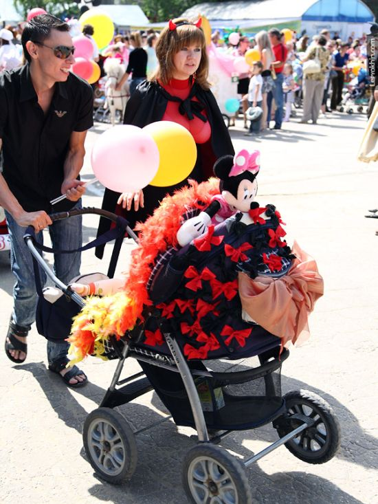 55 unusual baby carriages strollers Unusual-baby-carriages-36