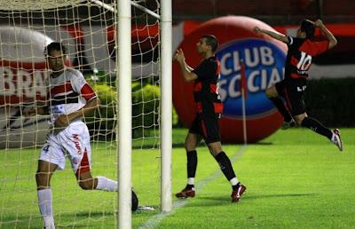 Foto: Vitória 3 x 1 Atlético-BA - 23/04/09