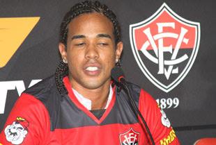 Eduardo lateral - Ec Vitória