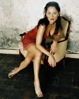 Robin Tunney sexy modeling pictures