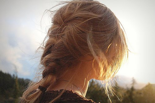 Фото девочек русых со спины на аву