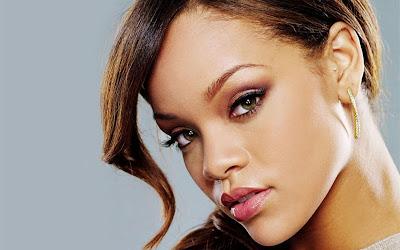 http://2.bp.blogspot.com/_LOM-D3Z3szg/S64tGXX0SoI/AAAAAAAAAMg/PHzKJppG8-A/s1600/Rihana.jpg