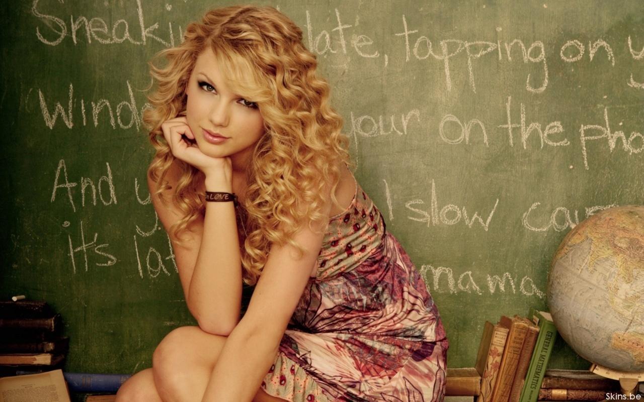 http://2.bp.blogspot.com/_LOtueHlCGvU/TIV88PwGmmI/AAAAAAAAAAU/6ycR0WMN5O4/s1600/Taylor-Swift-taylor-swift-4068363-1280-800.jpg