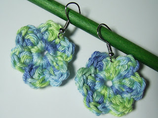 art craft crochet earrings jewellery jewelry blue green uhani ročno delo kookoocraft kookoo flower floral unique roža kvačkanje