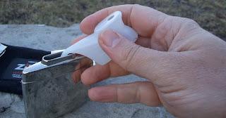 Filling zippo hand warmer