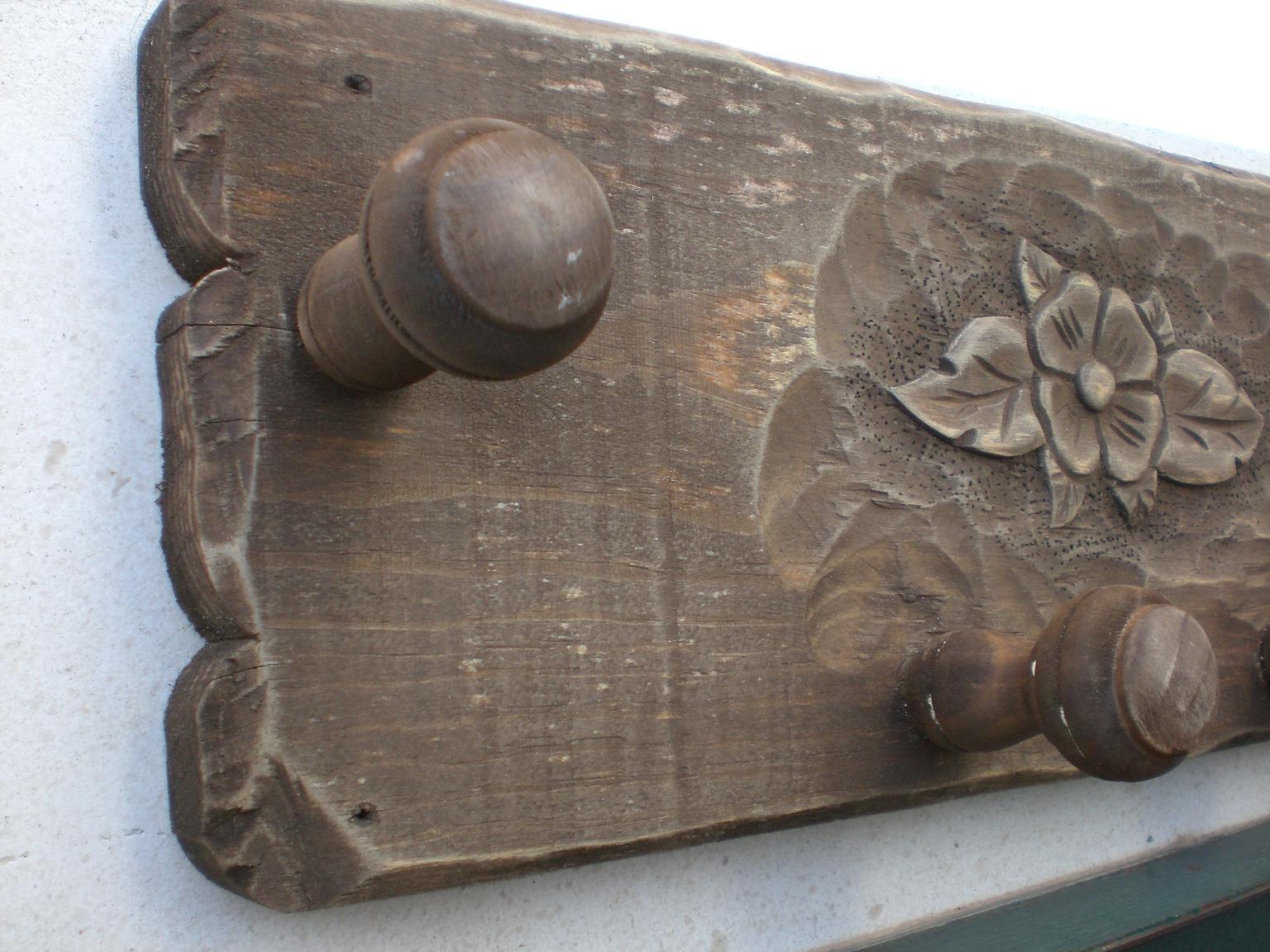 Artesan a r stica en madera perchero rustico tallado a for Colgadores de madera