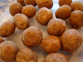 Frozen High Raw Vegan Peanut Butter Vanilla Balls in container