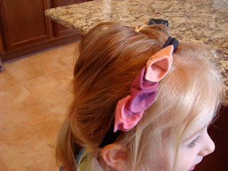 Close up of headband on young girls head