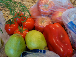 Vine-Ripe Tomatoes, Red Pepper, Pears and Apples