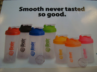 Card showing different sizes and colors of blender bottles