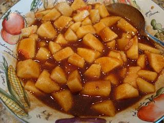 Filling of Apple, Cinnamon, Vanilla Extract, & Agave