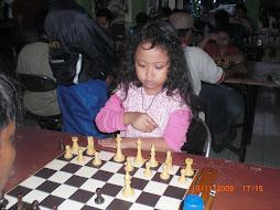 """""""Peserta Termuda Putri"""" Turnamen Catur Cepat  Piala Walikota Bekasi, 13-14 November 2009"""