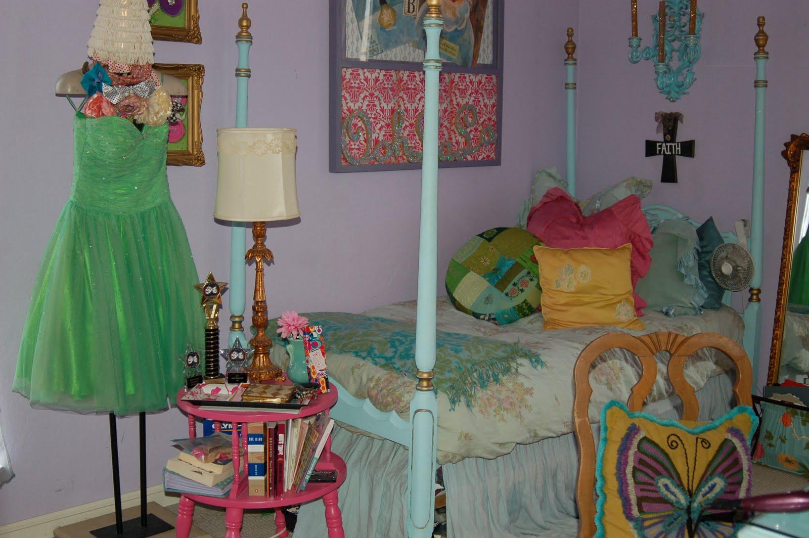 Adorable BoHo Shabby Chic Bedroom | Beyond the Screen Door