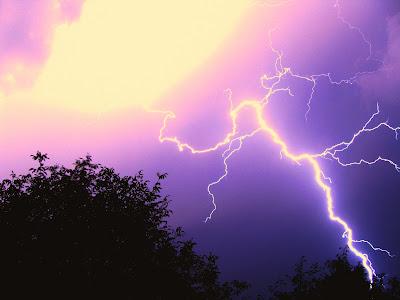 fulger-lightning