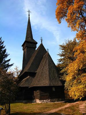 biserica de lemn-muzeul satului-iglesia de madera- museo del pueblo-wooden church-village museum