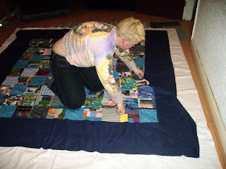 basting the quilt sandwich