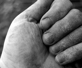 muddy fingers