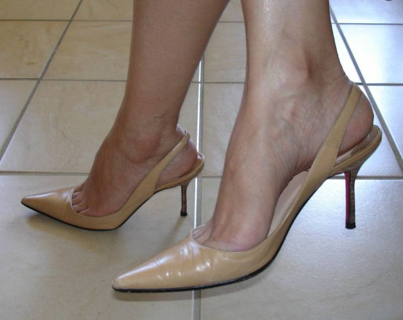 High Heels Toe Cleavage